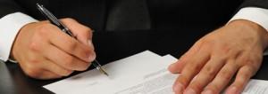 Assinando-um-contrato